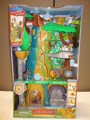 DISNEY JUNIOR THE LION KING GUARD TRAINING LAIR PLAY SET 18 PIECES (loc 15)