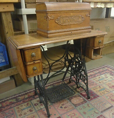 Collectible New Home Sewing Machine. FPOR.  (430)