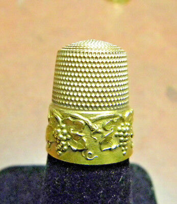 Simons Brothers EXCEPTIONAL Thimble 14k Yellow Gold Grape Vine Border Size 12