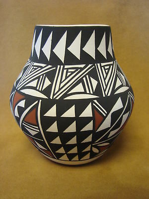 Native American Acoma Pot Hand Painted by Lee Concho PT0093