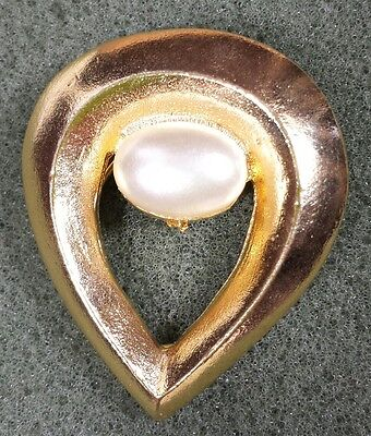 Jewelry Brooch Scarf Clip Gold Tone Metal Faux Pearl Classic Design Beautiful...