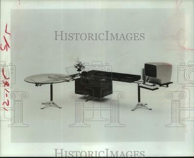 1980 Press Photo Computer desk setup by Burdick Group - hca75870