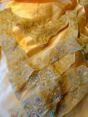 A Beautiful Antique Lingerie & Roses Collar With Floral Trim C.1910