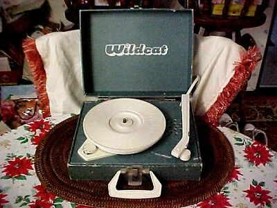 Vintage WILDCAT Turntable Record Player 78s 45s & 33s Portable Suitcase Style