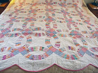 Antique Hand Pieced and Hand Sewn Double Wedding Ring Quilt Scalloped Pink Edged