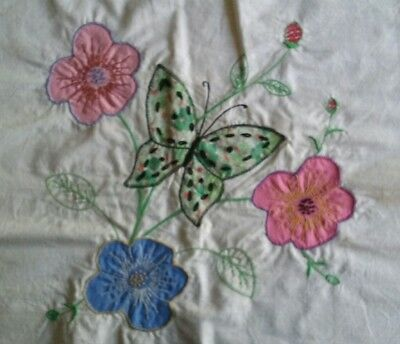 21 Beautiful Vintage Quilt Blocks ~ Applique & Embroidery ~ Butterfly & Flowers
