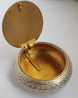 Lovely Decorative English Antique 1911 Solid Sterling Silver Tobacco Box