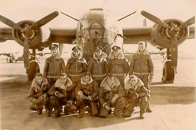 WW2 WWII Photo World War Two USAAF B-24 Liberator Crew Before Mission / 5347