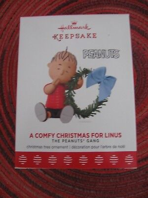 Hallmark 2017 A COMFY CHRISTMAS FOR LINUS Peanuts Gang Ornament NEW