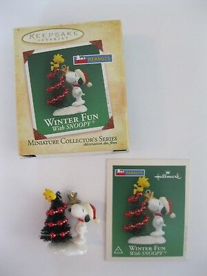 Hallmark Winter Fun With Snoopy 2004 Mini Ornament