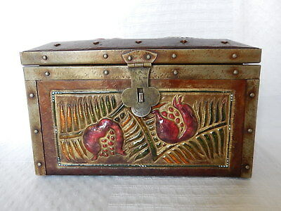 box antique Box ceramic pattern embossed enamelled Asia