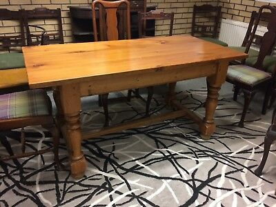Vintage Pine Kitchen Table / Dining Seats 6 People