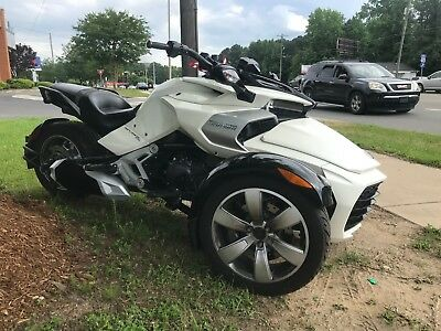 2015 Can-Am f3  2015 can-am spyder f3