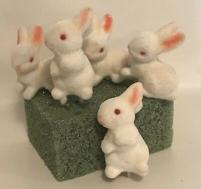 """Vtg Flocked Baby Bunny Figures Pics For Easter White Pink Rabbit 2"""" Fuzzy A6"""