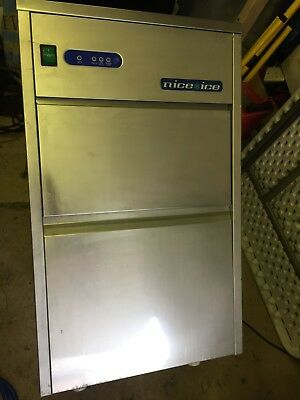 Nice Ice N25 - 25kg Ice Machine - Used EXCELLENT CONDITION