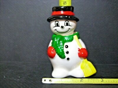 Look!!  It Is Frosty The Snowman!!!! Awesome Salt & Pepper Shaker