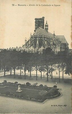 Cp Nevers Abside Cathedrale Et Square Zz 9752