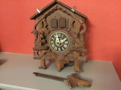 Vintage Musical cuckoo clock for spares or repair restoration.