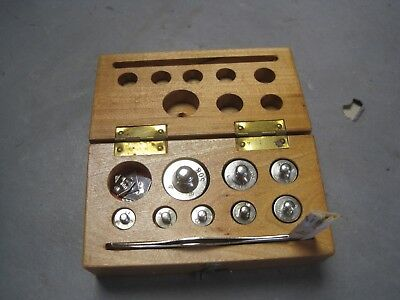 Vintage Avoirdupois Gold Scale Weight Set Complete w Wooden  Box & Tweezers