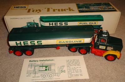 VINTAGE 1977 HESS TANKER TRUCK in BOX w/ INSERT AND INSTRUCTIONS