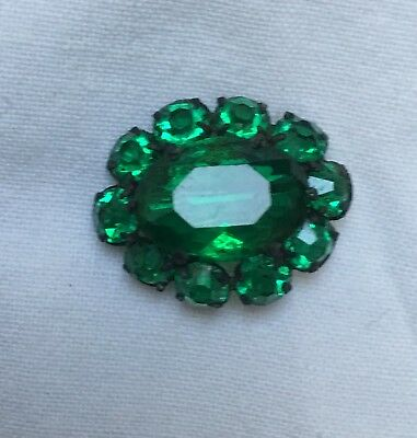 Antique late Victorian to Edwardian small oval emerald green glass brass brooch