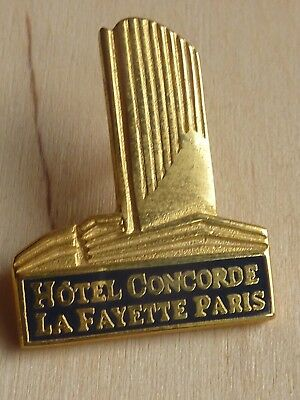 Pin's Pin Badge Mode Hotel Concorde Lafayette Paris