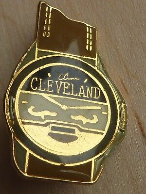 Pin's Pin Badge Mode Montre Cleveland