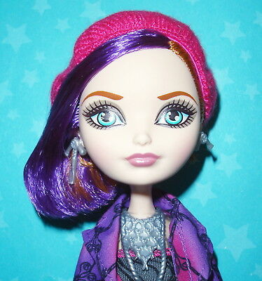 Ever After High Through The Woods Poppy O'hair Doll W/ Outfit Shoes Map Jewelry