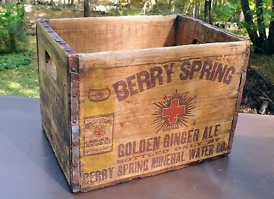 Vintage BERRY SPRING MINERAL WATER Ginger Ale Wood CASE Pawtucket Rhode Island