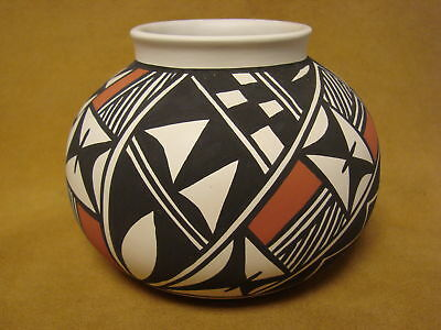 Acoma Indian Pottery Hand Painted Pot by Gloria Salvador PT0213