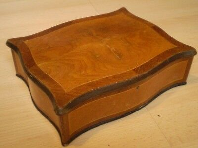 Stunning Antique/vintage Wooden Box, Ideal Jewellery Box