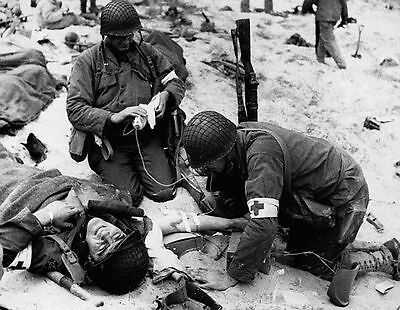 WW2 Photo, D-Day Invasion, Wounded Medic, WWII World War Two Normandy  / 1079