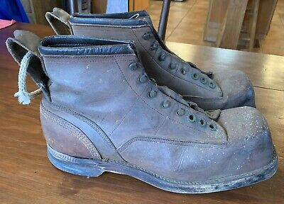 Pair of Men's Antique Saddle Leather Ski Boots from Vermont Estate, size 10
