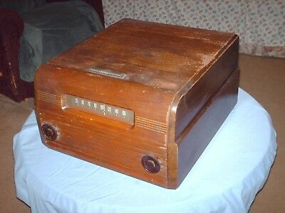 RCA Victor Victrola 77U Old Wooden Record Player AM Radio Combo 1948 Vintage