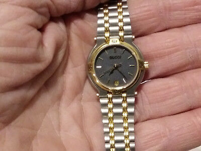 06e574feaac Womens Vintage Gucci 9000L 0103557 Gold Two Tone Stainless Steel Watch Swiss