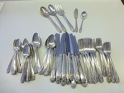 77 Piece DAFFODIL 1847 Rogers Bros Silverplate Flatware Service for 12 + Extras