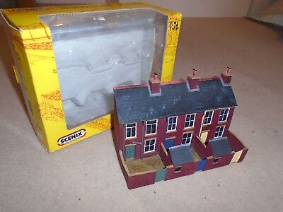 Scenix Resin 3 House Terraced Flat Backed Buildings for Hornby OO Gauge Sets