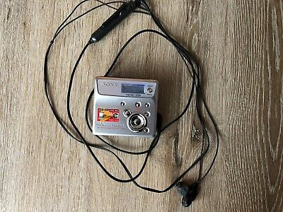 Sony Minidisc MD Walkman MZ-N505 type-R with Remote and Headphone.