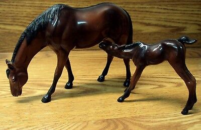 Vtg Toy HARTLAND PLASTICS Set of 2 HORSES ~ Thoroughbred MARE & Nursing FOAL