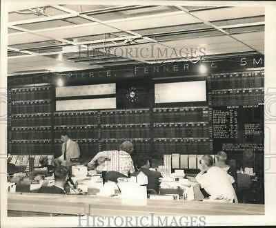 1967 Press Photo Merrill, Lynch, Pierce, Fenner, & Smith, Inc. Stockbrokers.