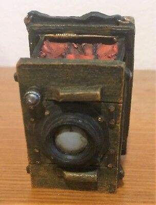 Boyd's Bearstone Collection LTD Old Fashion Camera (Red/Rust accordian)