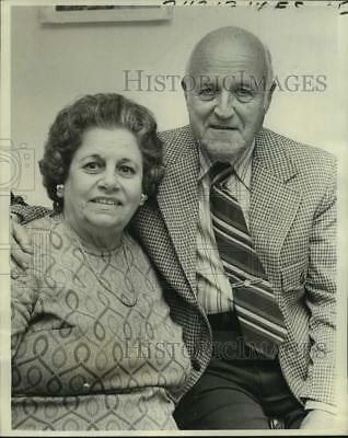1977 Press Photo Mr. & Mrs. Victor F. Kern Celebrate 50th Wedding Anniversary