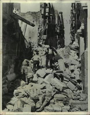 1942 Press Photo World War II - Building After Bombing, Malta - mjm11574