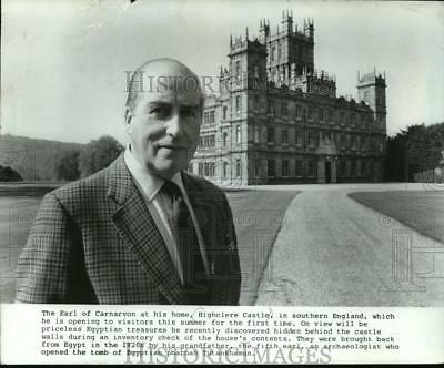 1988 Press Photo Britain's Earl of Carnarvon to open Highclere Castle