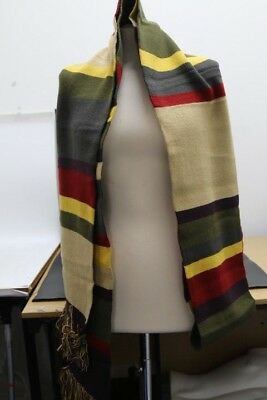BNWT Official BBC Doctor Who scarf (CA132)
