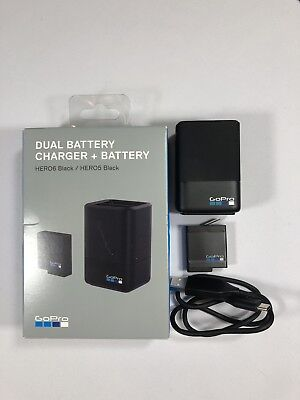 GoPro Dual Battery Charger + Battery HERO 5, 6 & 7 compatible. AADBD-001 New