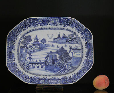 A BEAUTIFUL antique CHINESE PORCELAIN BLUE WHITE CHARGER QIANLONG 18TH CENTURY
