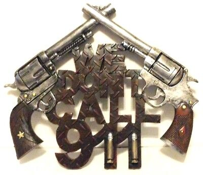We Dont Call 911 Pistols Wall Decor 11 x 9 1/2in New Rustic Decor Polyresin