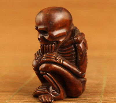 chinese old boxwood hand carved skull netsuke statue collectable hand piece