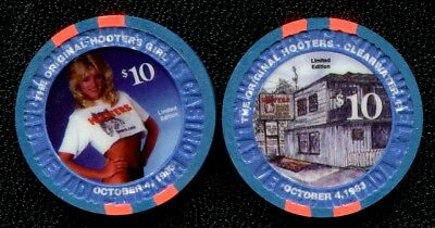 $10 Las Vegas Hooters Original Calendar 1986 Casino Chip